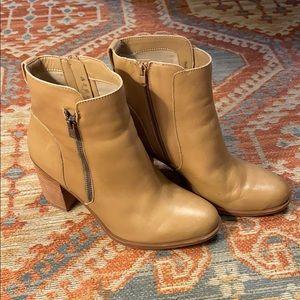Shoes - Naturalizer Kala boots